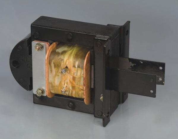 该电磁铁适用于交流50到60hz电压至380v的控制电路中,作为机械设备
